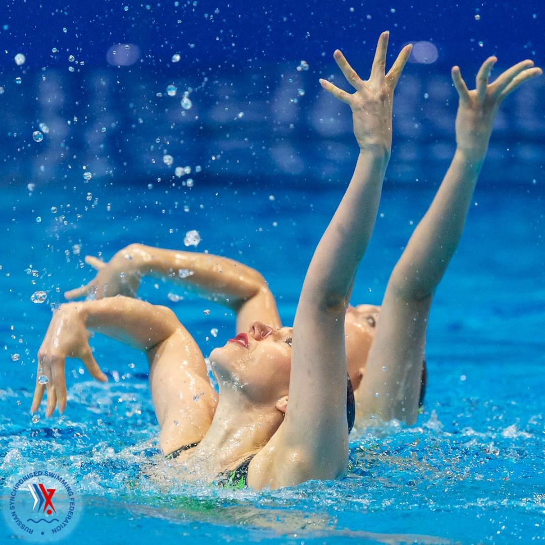 синхронное плавание голышом
